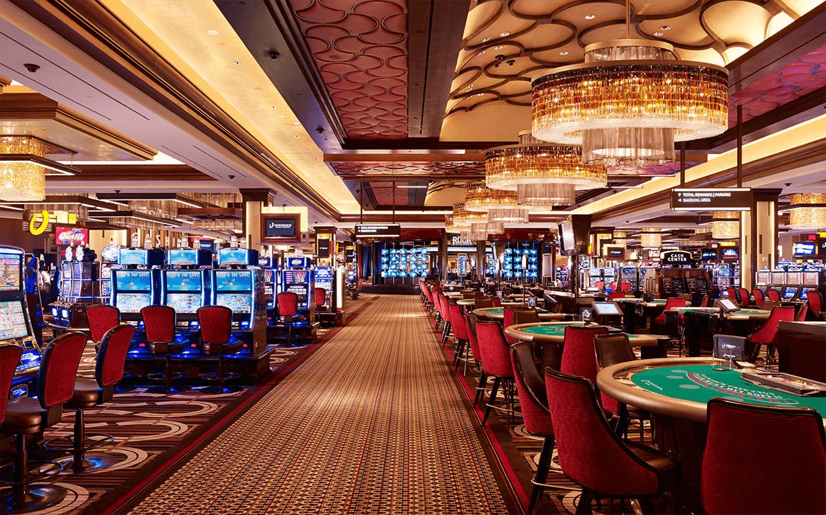 Ведущий в казино